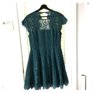 BB DAKOTA GREEN FULL LACE MINI DRESS